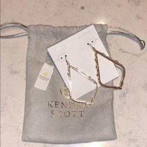 NWT Kendra Scott Dangle Sophee Rose Gold Earrings